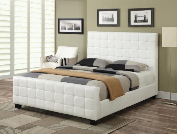 Кровать белая с кожаным изголовьем